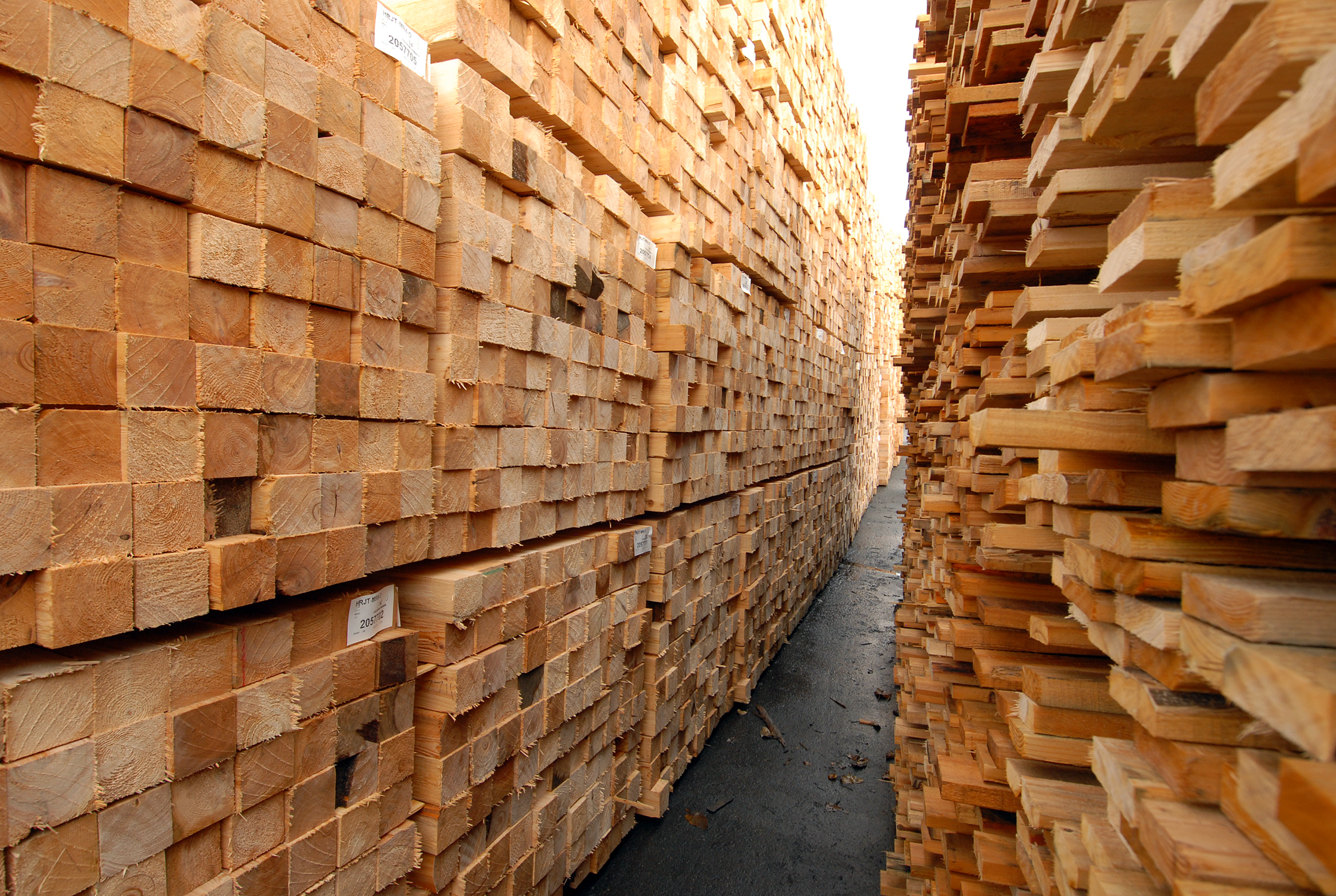Ottawa announces softwood lumber aid package - Resources ...