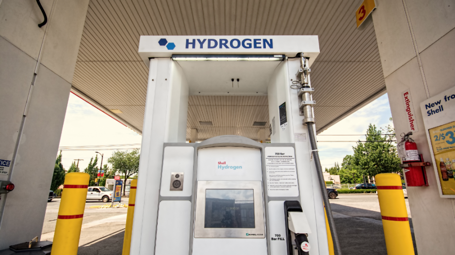 BIV: Trudeau government unveils hydrogen strategy.